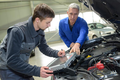 Mechanic Training-AdobeStock_210180105