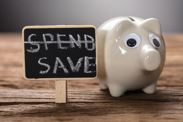 Piggy Bank Spend Save-AdobeStock_165041950