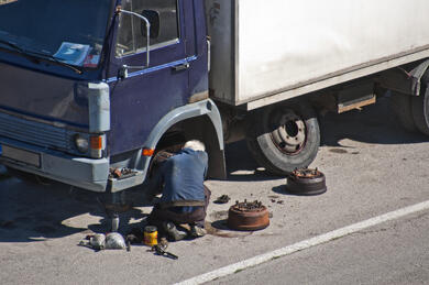 Truck Breakdown-AdobeStock_116547459